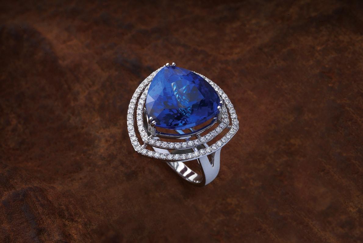 Tanzanite_Diamond_Ring