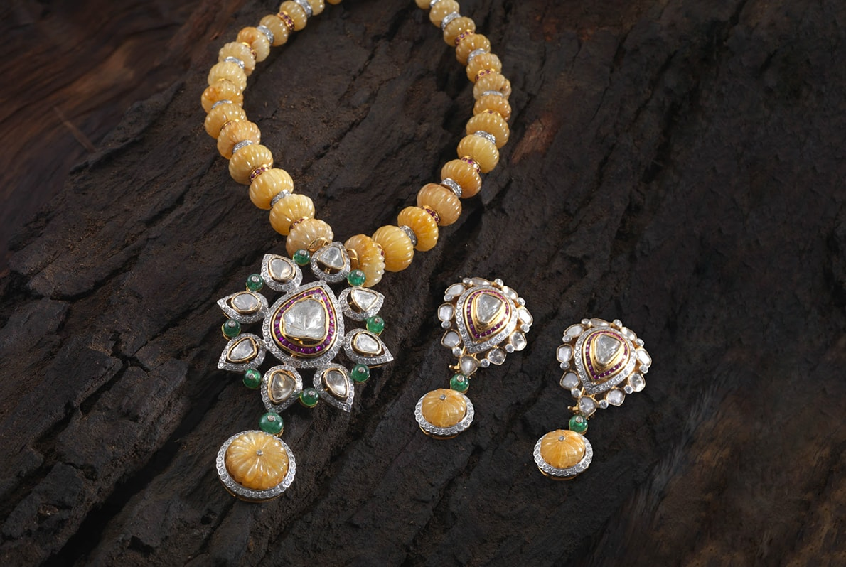 Yellow_Sapphire_Diamond_Necklace_with_Earrings